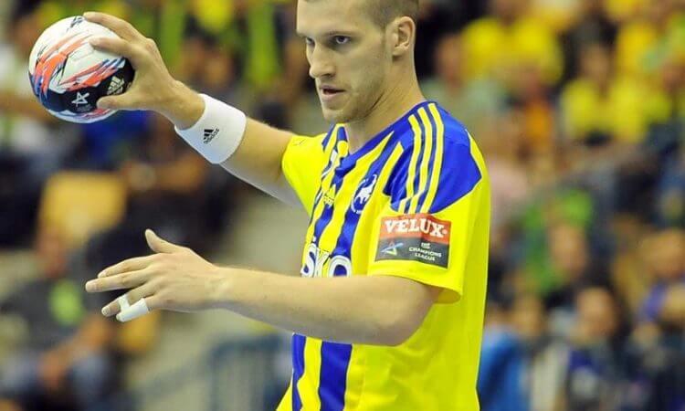 Lietuviai svetur. D. Šatkauskaitės fantastiškas pasirodymas Islandijoje, P. Babarsko ekipos pergalė prieš čempionus ir kiti rezultatai