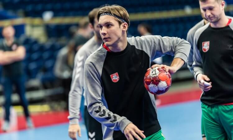 Rungtynių su Islandija atradimu tapęs M.Lapiniauskas: Varėnoje kiekvienas praeivis turi sąsajų su rankiniu